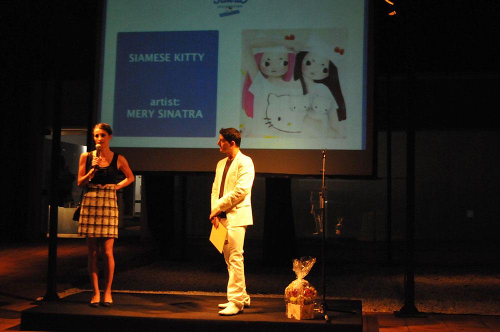 Gala Sanrio-Hello Kitty (Presentador)